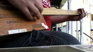 Download Lagu Two String Cigar Box Guitar: Two String Boogie Mp3