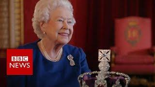 Video The Queen's advice on wearing a crown - BBC News MP3, 3GP, MP4, WEBM, AVI, FLV April 2018