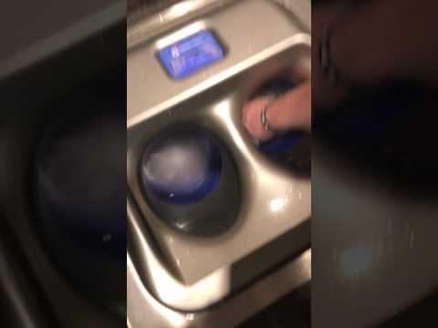 Pieni tornado pesee kädet – Kätevä laite
