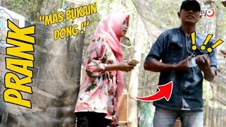 Video BIKIN KESEL!! MINTA BUKAIN BOTOL DI LEM SUPER KUAT | Prank Indonesia MP3, 3GP, MP4, WEBM, AVI, FLV Desember 2018