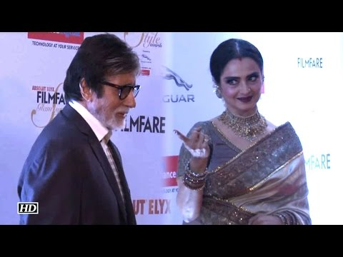 Video Watch How Rekha WELCOMED Big B At Filmfare Awards Red Carpet download in MP3, 3GP, MP4, WEBM, AVI, FLV January 2017
