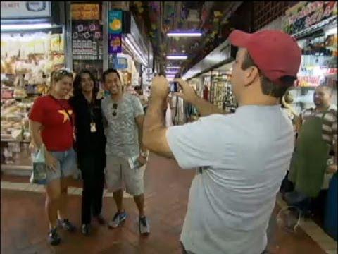 Ex-faxineira poliglota muda de profissão e dobra o salário em Minas Gerais
