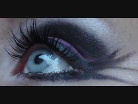 sexy vampire makeup. vampire makeup
