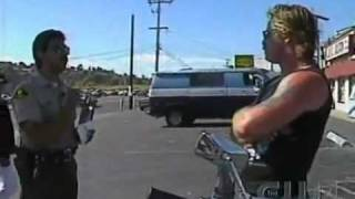 Video Cop pulls over Hell's Angel's  Biker MP3, 3GP, MP4, WEBM, AVI, FLV Februari 2019