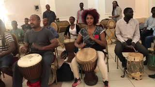 Video تمازج الموسيقى الغرب أفريقية مع الطبول السودانية ( Sudanese Travelers ) MP3, 3GP, MP4, WEBM, AVI, FLV Agustus 2018
