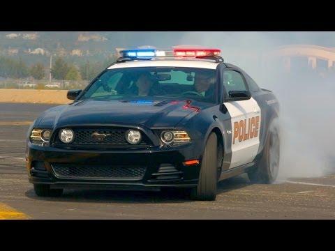 فورد موستنج جي تي 2014 تتنكر بزي شرطة!