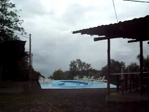 Backpackers Manuel Antonio Videosu
