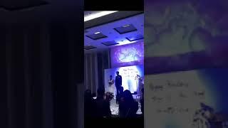 Odkrył zdradę swojej narzeczonej. Z zemstą poczekał do wesela i puścił nagranie z sypialni na oczach gości.