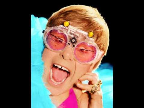 Tekst piosenki Elton John - Big Dipper po polsku