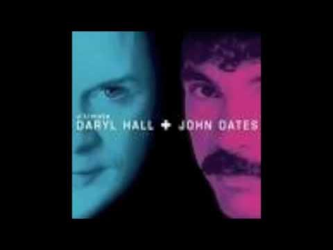 Tekst piosenki Hall & Oates - Rich Girl po polsku