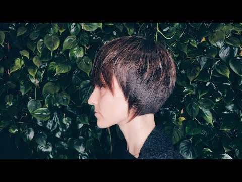 Short haircuts - how to cut creative bob with accents tutorial