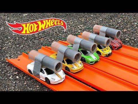 HOT WHEELS LAMBORGHINI ROCKET POWERED RACE !!