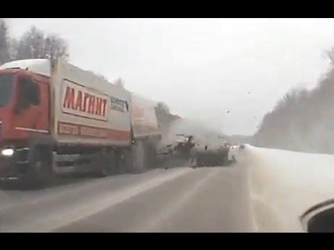 Новая подборка аварий и дтп 05 01 2017