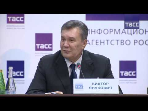 Янукович ответил на вопрос украинской журналистки о справедливости и возвращении на родину (видео)