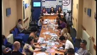 crno-na-belo-konferencija-za-medije-u-nisu-03