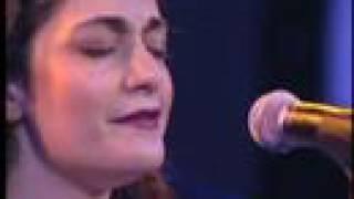 Iranian Singer, Darya Dadvar Sings Ey Iranدریا دادور ای ایران
