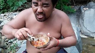Video Primitive Technology -  find frog Fried -Fried frog in the clay eating delicious MP3, 3GP, MP4, WEBM, AVI, FLV Januari 2019