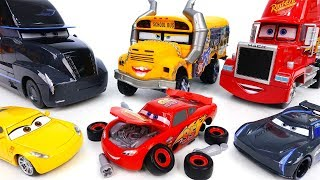 Video Disney Cars 3 McQueen Is Broken~! We Should Fix Him - ToyMart TV MP3, 3GP, MP4, WEBM, AVI, FLV Juli 2018