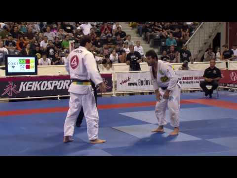jiu jitsu - Black Belt Men's and Women's recap from the 2009 World Brazilian jiu jitsu Championships from the Walter Pyramid in Long Beach California. Features highlight...