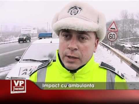 Impact cu ambulanţa