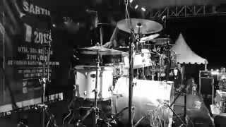 Parau - Sedetik Nafas Peluru - Live at VIP #7 (Utha Drum Cam)