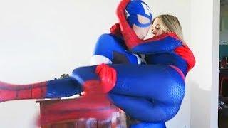 Nonton Spiderman Vs Captain America Battle   Superheros Irl  Spidergirl  Film Subtitle Indonesia Streaming Movie Download