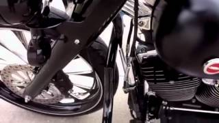 6. 2005 Harley Davidson Road King FLHR