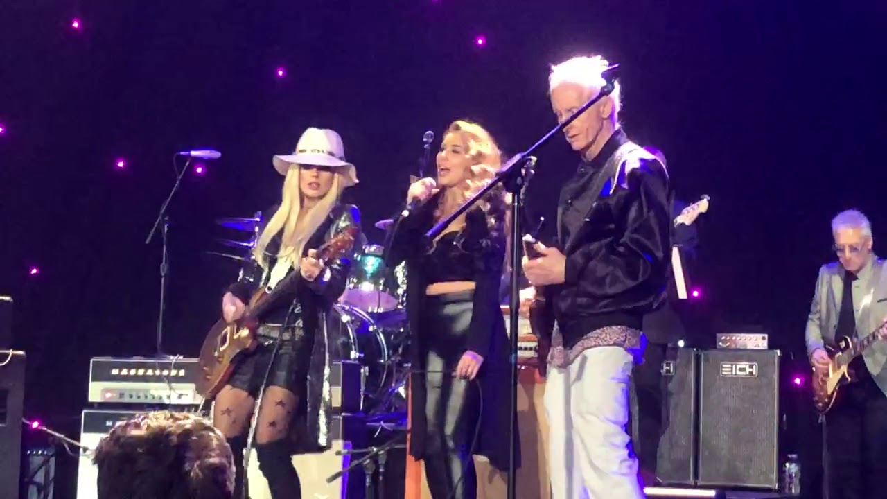 Stephen Stills, Billy Gibbons, Orianthi & Robby Krieger – Love The One You're With  (12/02/18 – LA)