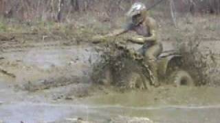 7. POLARIS SCRAMBLER 500 4X4 MUD BOG (run 2)