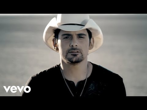Brad Paisley – Remind Me  ft. Carrie Underwood