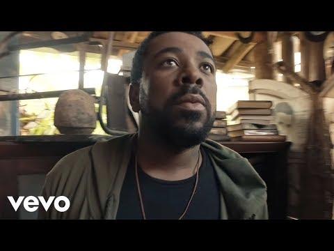 """""""O Amor"""": confira o novo clipe de Clóvis Pinho"""