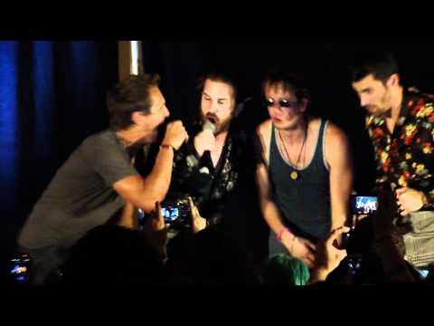 Sebastian Roché Singing Summer Lovin' - Supernatural Convention in Vancouver 2011 (HD)