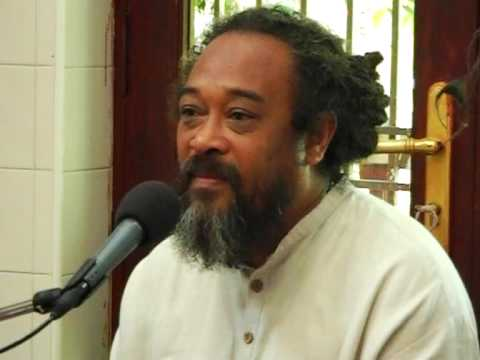 Mooji – Don't try to hold on to anything.