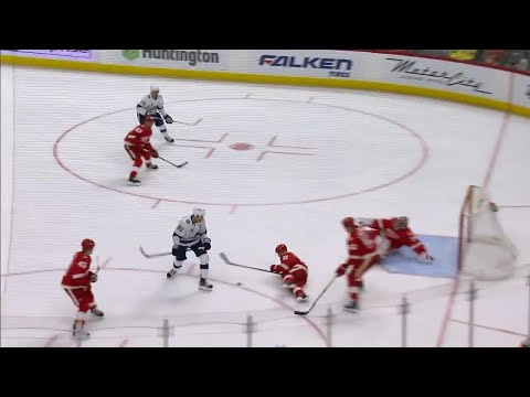 Video: Nielsen bails out Mrazek with spectacular block