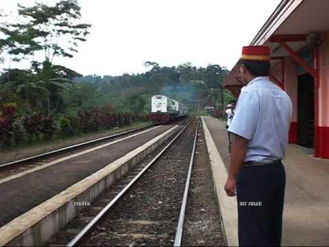 Railway Kereta Api : KA 60 Parahyangan passing Sasaksaat Station and PPKA Mr Eman