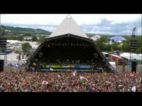 Marley - The Marley Brothers (Damian, Stephen & Julian) Performing Live At Glastonbury Festival (2007).