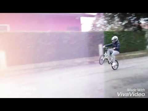 Leve in BMX con il casco !!!