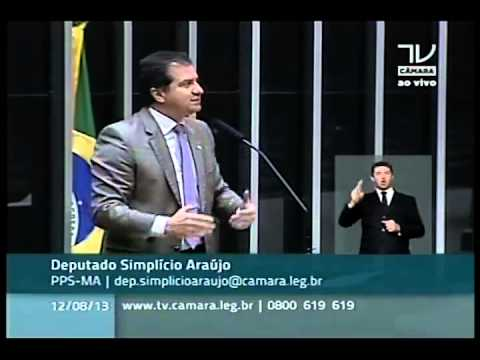 12/08/2013 – Simplício Araújo fala sobre o processo de cassação da governadora Roseana Sarney