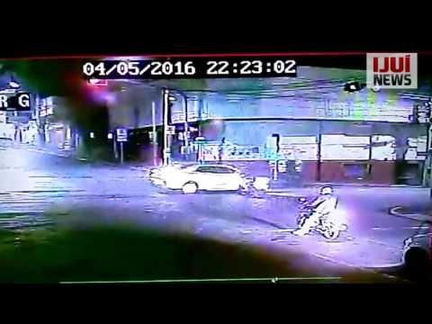 Motociclista se acidenta ao tentar atravessar no sinal vermelho, em Ijuí