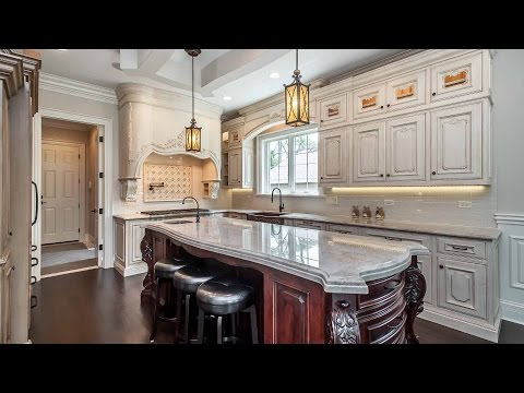 A builder's own handcrafted home in Glenview