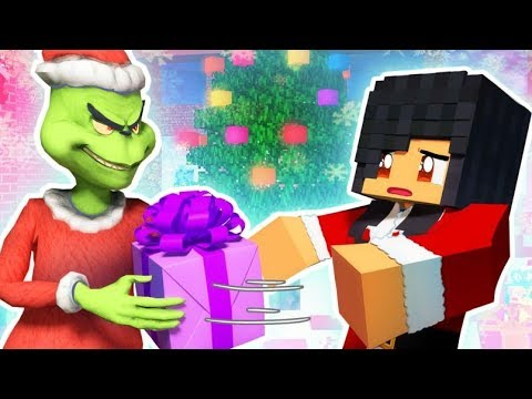 Stealing Aphmau's Christmas - MINECRAFT PROP HUNT (Funny Moments)