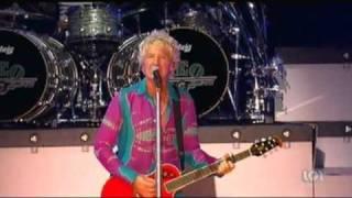REO Speedwagon - Keep On Loving You (Live - 2010) Video