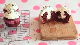 Cupcakes au chocolat fourrés à la crème