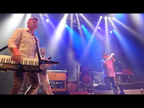 Blues Traveler - You Shook Me All Night Long [AC/DC Cover] (Houston 11.10.18) HD