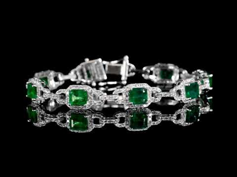 Lady's 18k White Gold 9.88ct (TW) Emerald and Diamond Bracelet