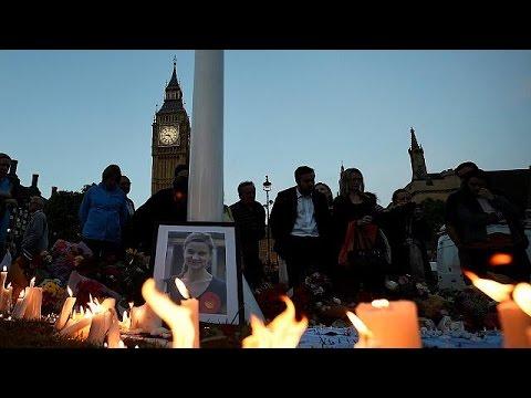 Βρετανία: Απαγγέλθηκαν κατηγορίες για τη δολοφονία της βουλευτή Τζο Κοξ