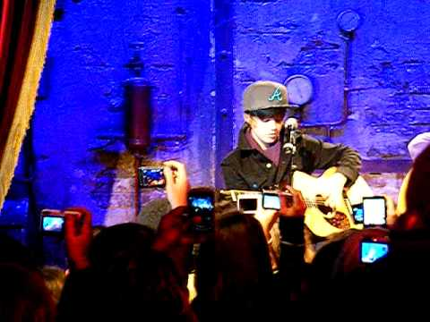 Justin Bieber in Paris, in private concert to Jamel comedy club part 4