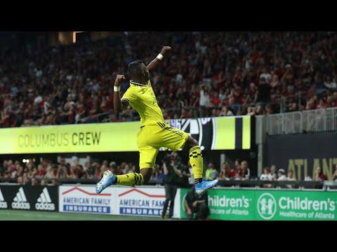 Video: SLO-MO GOLAZO: Diaz leaves the crowd speechless