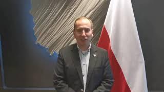 6 mln zł z funduszu na walkę z COVID-19 pójdzie na… maszty z narodowymi…