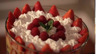 Kelly's Red Berry Trifle No Bake Dessert Recipe || KIN EATS